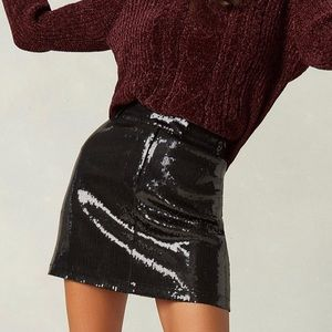 BB Dakota Modern Love Black Sequin Mini •NWT! Sz 6